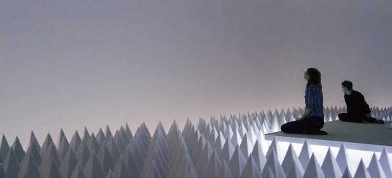 """藝術咖必看:古根漢姆博物館""""靜寂沙漠""""藝術裝置來了!"""