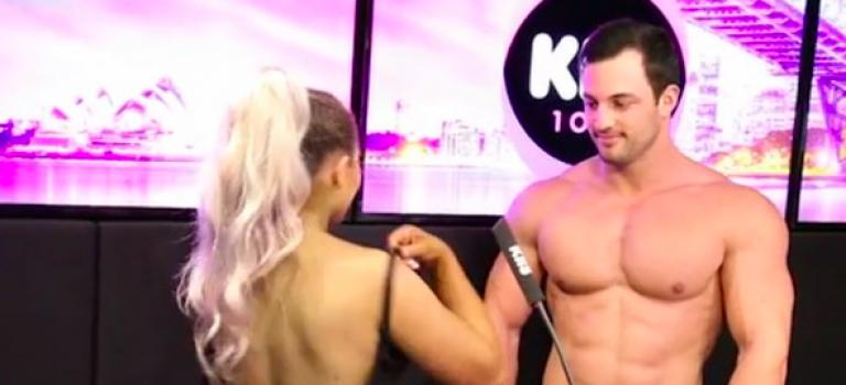 『視頻』澳洲交友節目再來重口味!壯男下面超大驚呆網友!現場全裸沒在怕!