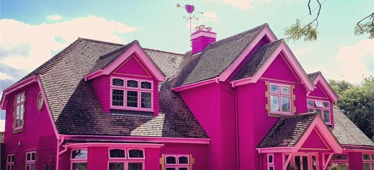 讓男生都會尖叫的芭比夢幻房子,一個晚上居然要….