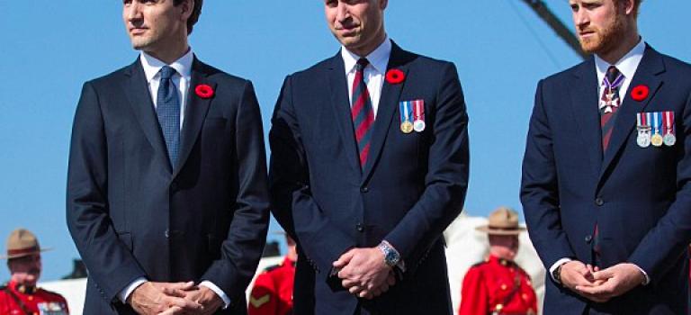 英皇室兩大帥王子會面世界最帥總理!網友:誰管他們聊什麼~畫面超和諧!