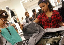 heres-how-teens-really-spend-money-what-they-like-and-where-they-shop