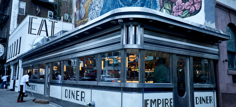 吃著美食看電影–Empire Diner
