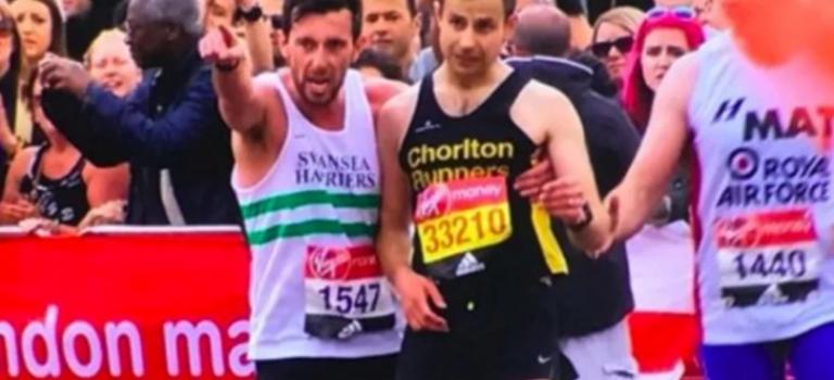 【洋蔥視頻】倫敦馬拉松感動全世界的一幕!這才是真正的運動員精神❤️