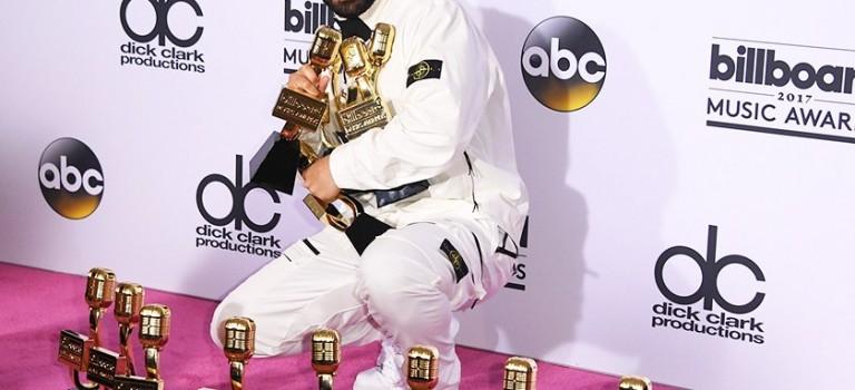 Billboard Music Awards 完整得獎名單出爐!是誰橫掃 13 獎破 Adele 記錄成為大贏家?