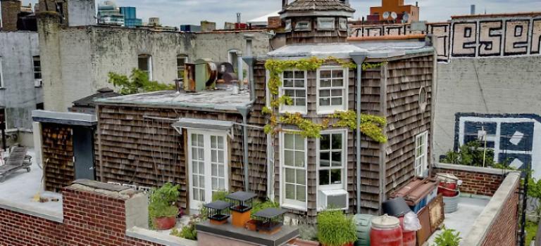 位於紐約市中心,自帶海島風格小屋的公寓,千萬別錯過!