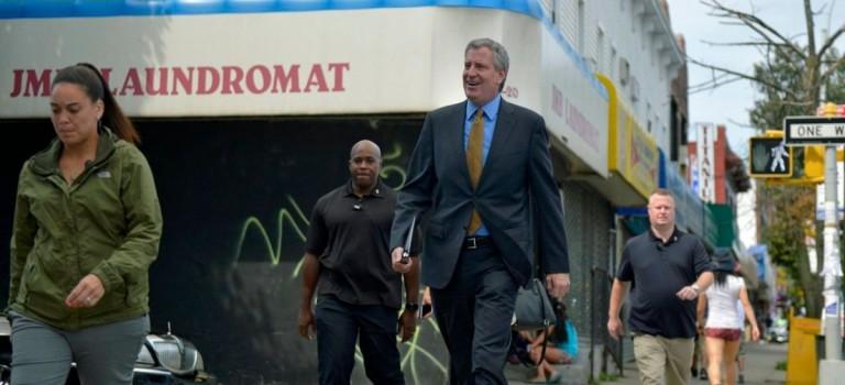 紐約市長宣佈:將向富人加稅以資助地鐵維修費用