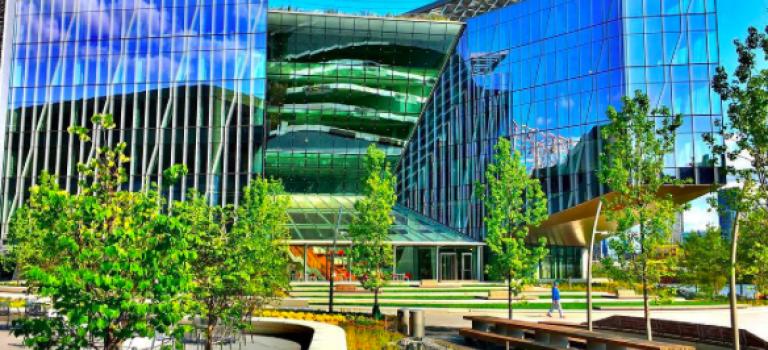 要多美有多美!全新康乃爾大學紐約新校區結合高科技的孤島高樓環繞還有河景!