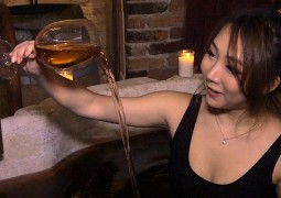 an-nyc-spa-will-let-you-soak-in-a-bath-of-wine
