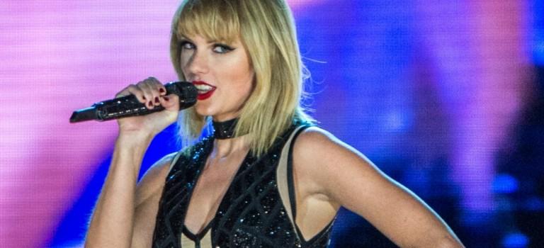 "Taylor Swift 宣佈推出個人專屬 APP!除了獨家照片和視頻,還有""Taymoji""!"
