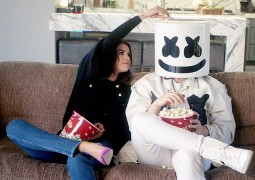 Selena Gomez X Marshmello 最新單曲《Wolves》出爐了!完整版搶鮮聽:循環播放ing~
