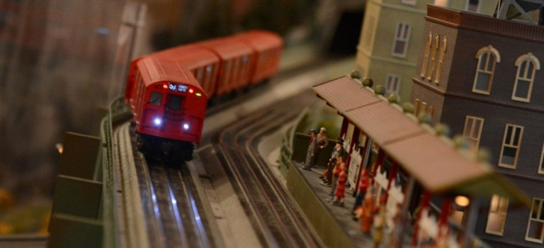 Holiday Season限定的迷你火車展又開始啦!小人國即視感,看完會上癮~