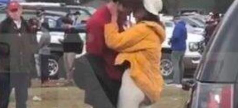 歐巴馬女兒再出包?校園吸菸又擁吻男友!