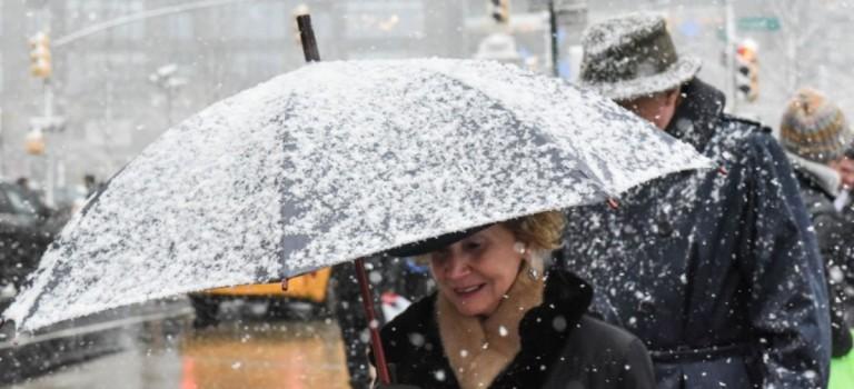 挺住!2018年的第一場大雪明天來襲,週末大降溫氣溫低至….!!