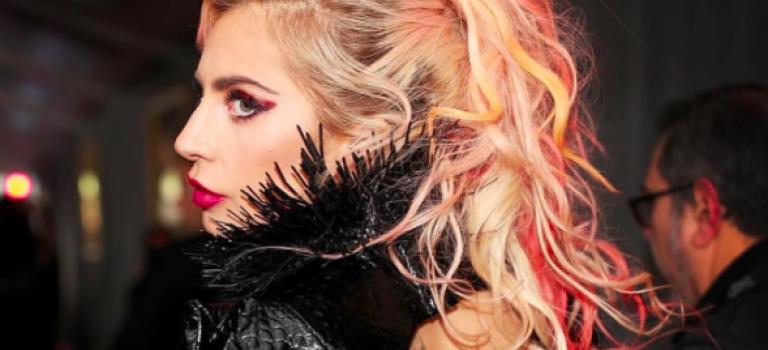 Lady Gaga放送裸臀照!粉絲驚呼:身材又更好了!流鼻血!