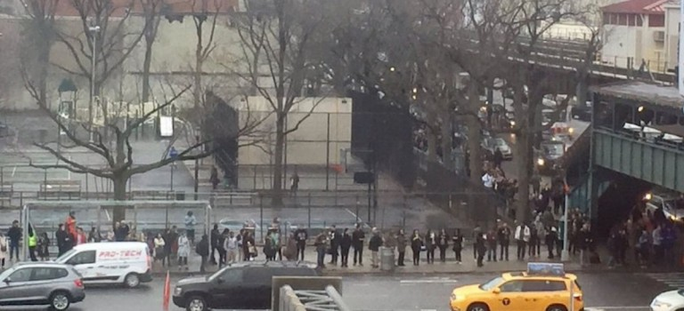 小長假第一天紐約地鐵又罷工!巴士站大排長龍  這樣的紐約你還愛?