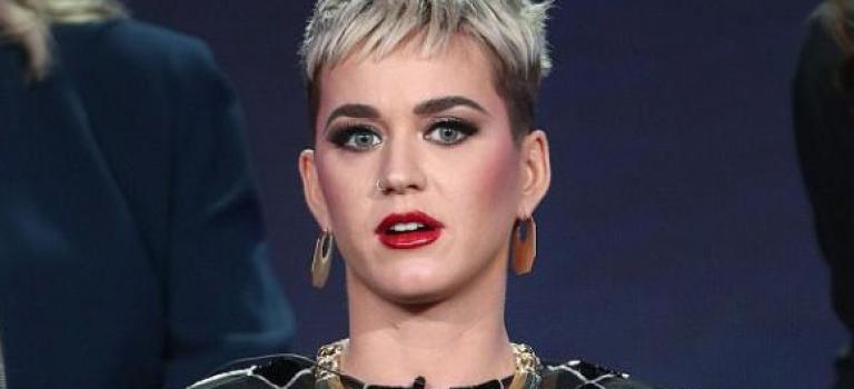 愛得很高調!Katy Perry日本巡演,當臺唱情歌獻男友!