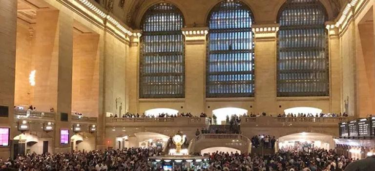 堂堂大纽约中央车站,一场雨就瘫痪了