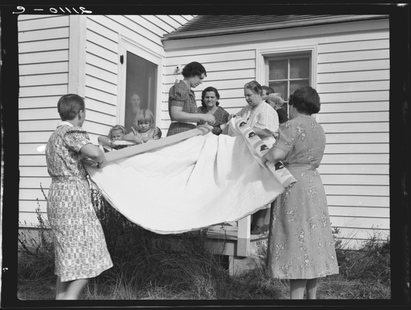 old quilting photos, vintage quilting, historical quilting, 1930 quilting, vintage quilting patterns