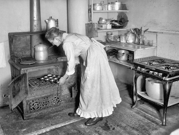 the evolution of kitchens in 23 photos - old photo archive