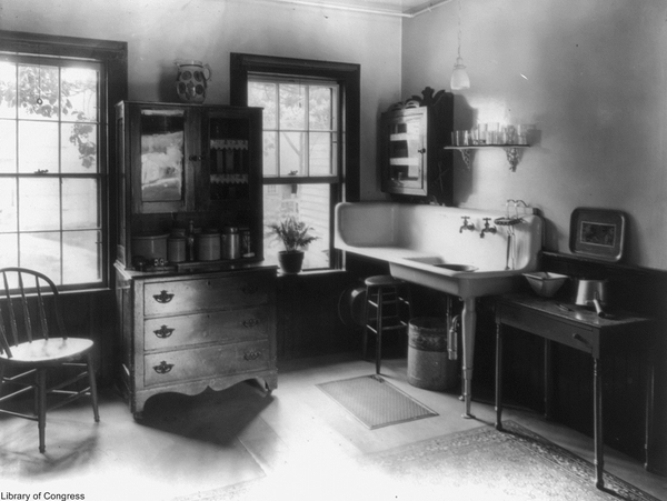 Anatomy Of An Old Fashioned Kitchen Old Photo Archive