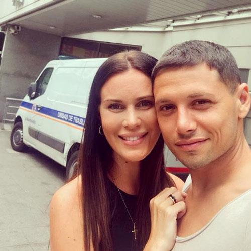 Natalie Weber y Mauro Zárate dieron la mejor noticia.