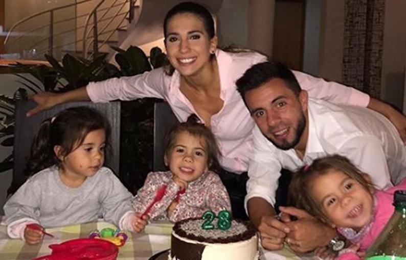 La pareja tiene tres hermosas hijas.