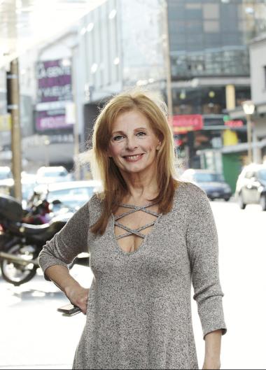 Cristina Alberó en la calle Corrientes