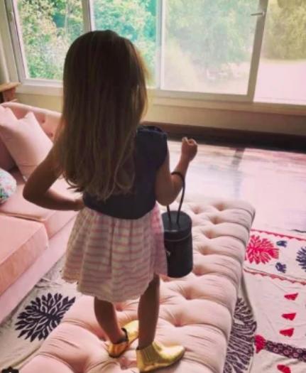 La pequeña sabe lo que quiere.