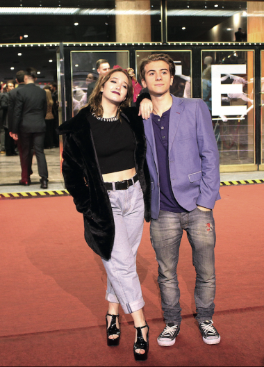 Junto a su novio