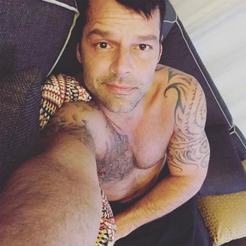 Ricky Martin lució sus pompis.
