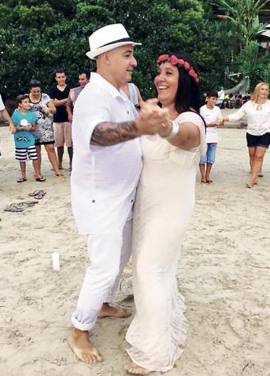 Ceremonia entre amigos en la playa
