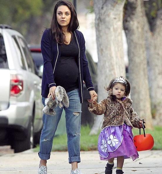 Kunis fue mamá dos veces.