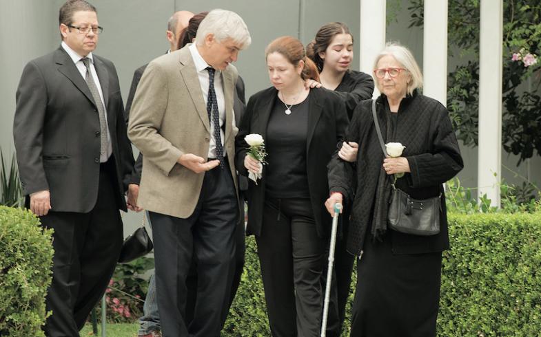 Andrea del Boca se retira del jardín de paz