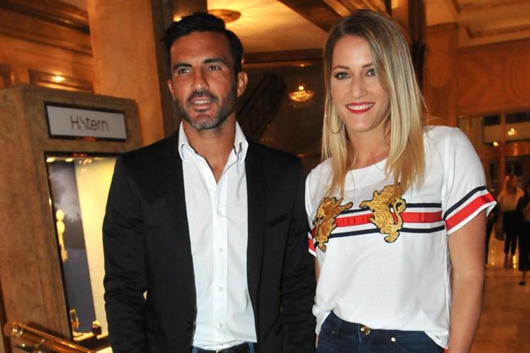 Cubero luce muy enamorado de Micaela Viciconte.
