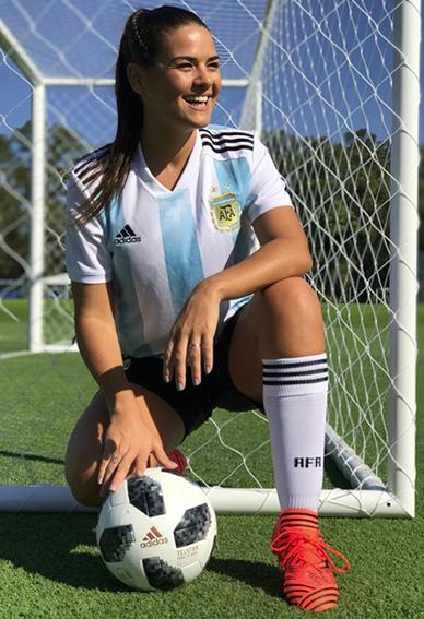 Vázquez también se prende con el fútbol.