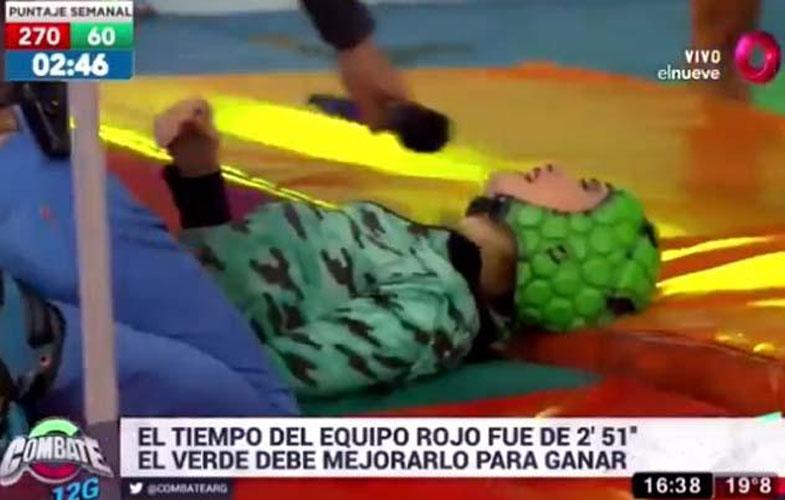 Valeria, la participante accidentada, tras la caída.