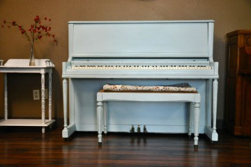 My First Piano is a piano store in Phoenix, Arizona selling refinished pianos like this one.