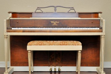 Wurlitzer spinet little acoustic upright piano used for sale rent rental peoria buckeye scottsdale gilbert mesa arizona phoenix my first gallery az