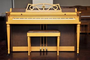upright piano, Wurlitzer Spinet, mesa, chandler, phoenix, gilbert, scottsdale, mahogany, cherry, for sale, for rental, piano rental, piano story, piano shop, arizona, AZ