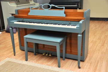 Howard Baldwin Spinet little beginner starter acoustic upright piano used for sale rent rental arizona phoenix blue cute refinish DIY