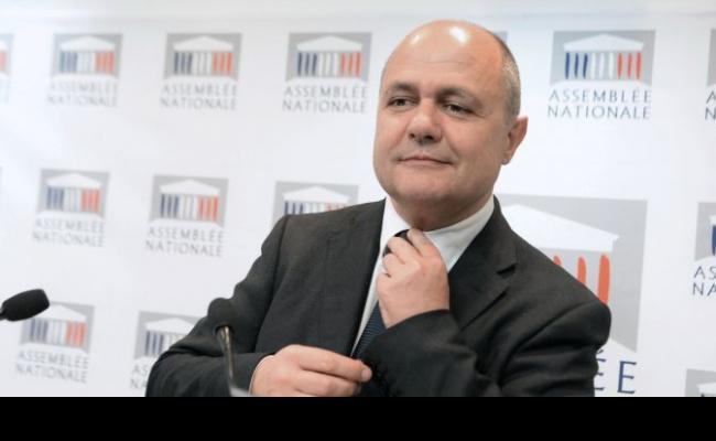 Francia dimite ministro del interior por contratar a sus for Ministro del interior actual