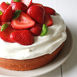 Balsamic Strawberry Sponge Cake recipe