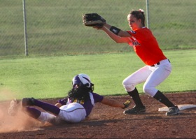 Softball  Monett vs Republic 18