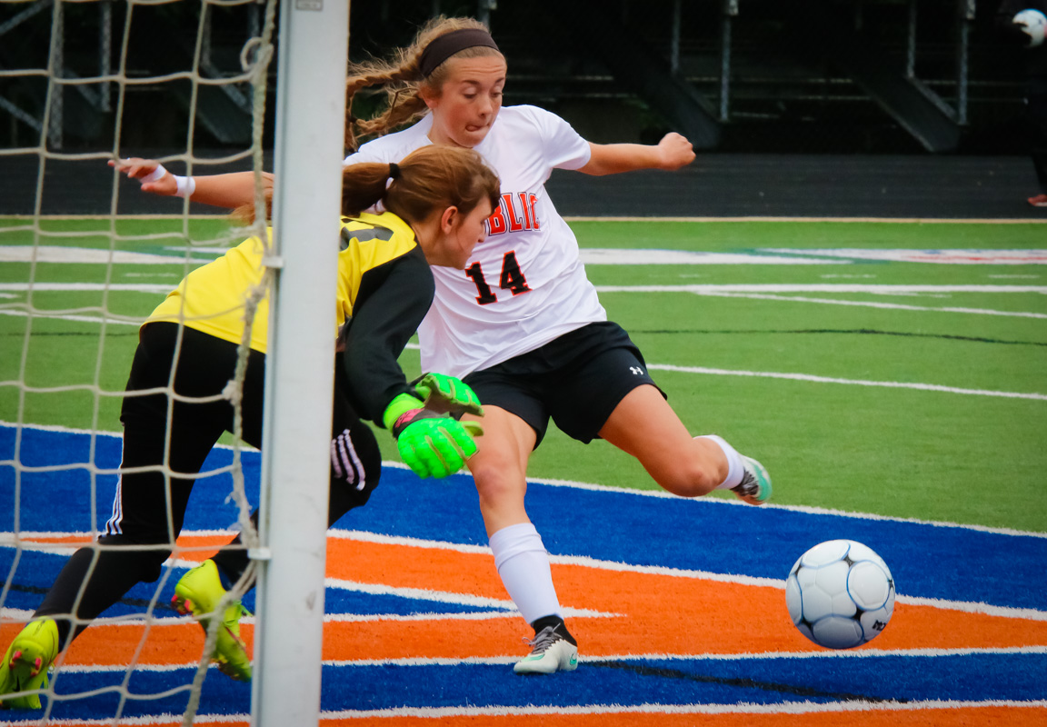 Photos: Varsity Girls Soccer Vs Hillcrest (Districts)