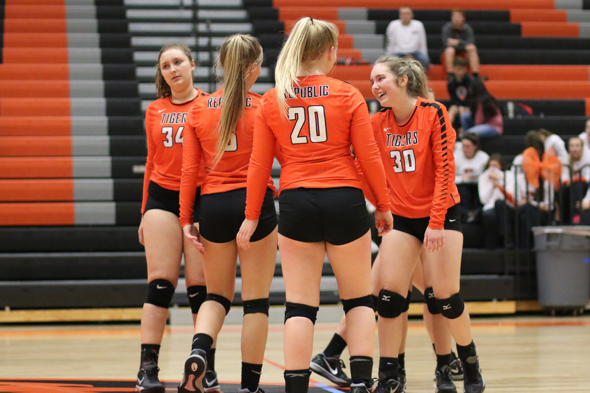 Photos: Freshman Volleyball Vs Buffalo