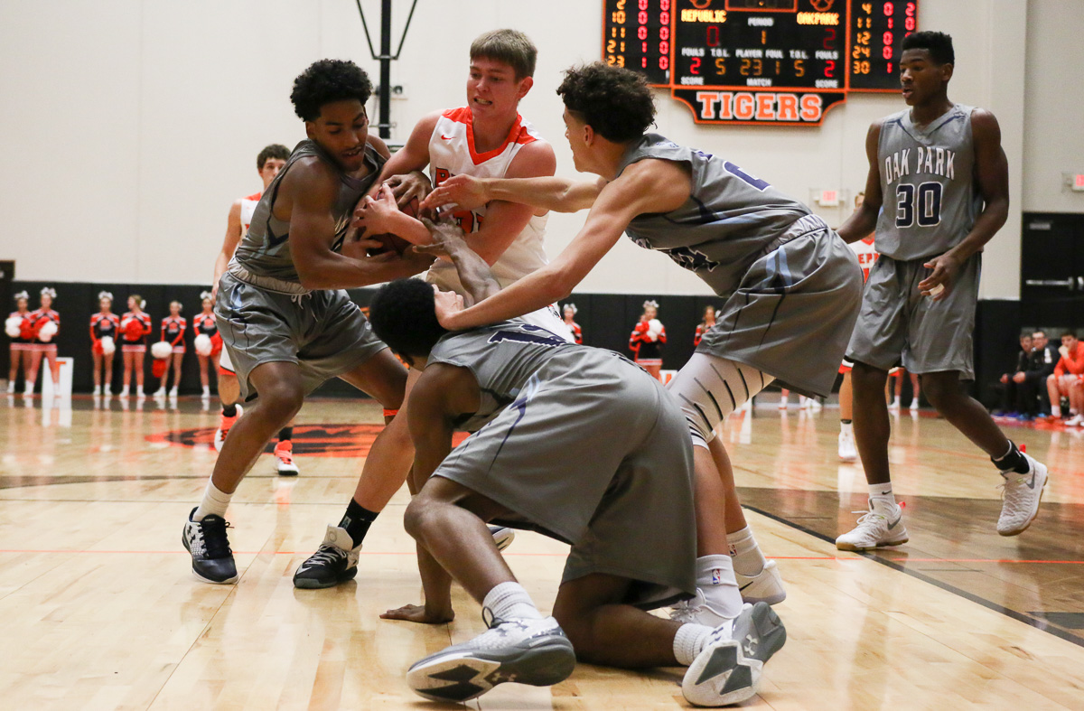 Photos: Varsity Boys Basketball Vs Oak Park