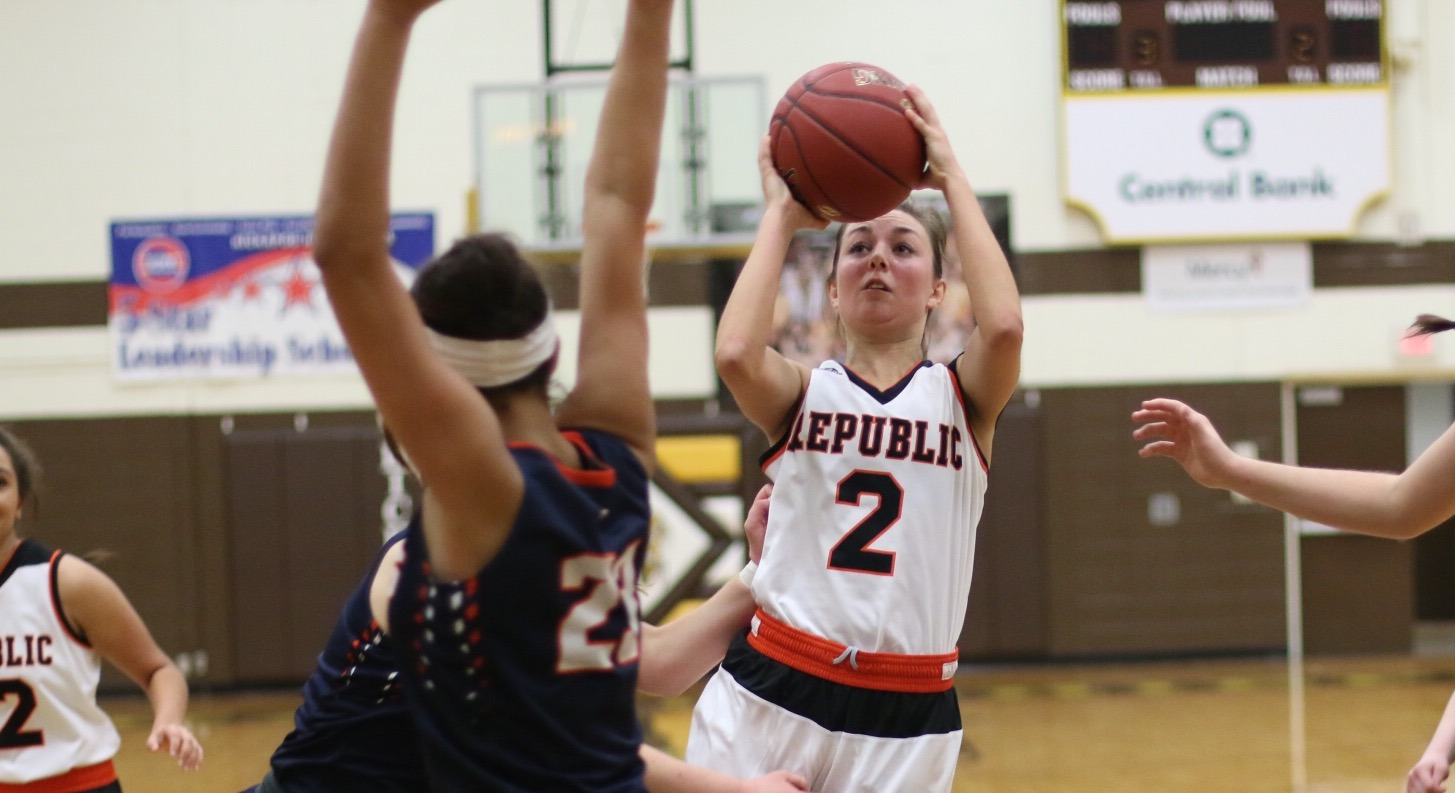 Fergen Takes Over; Lady Tigers Top Olathe East