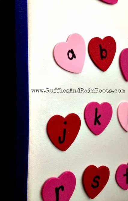 This is an awesome craft we're doing at RufflesAndRainBoots.com.