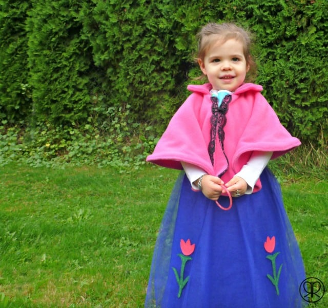Simple FROZEN Inspired Princess Anna Cape