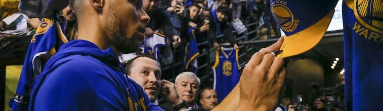 Steph buys Curry 4s for an entire high school basketball team